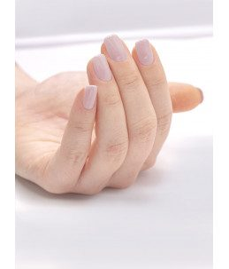 smalto semipermanente unghie rosa chiaro mani