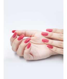 manicure con applicazione semipermanente